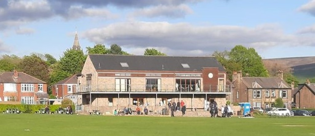 Report: 2s win league thriller before progressing in the cup
