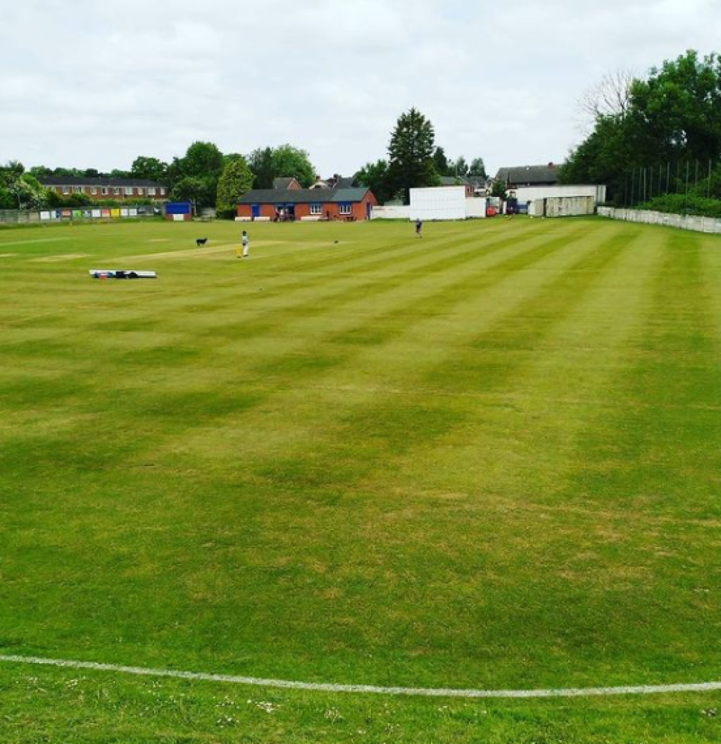 Report: Thrilling local derby win sees 1st team upto 4th